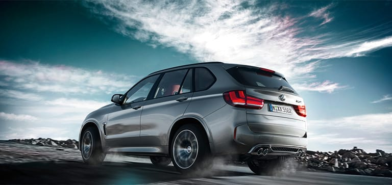BMW X5M Beats Up The Competition